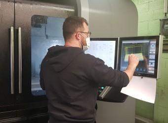 ustin FAESSEL a suivi un CQPM Technicien d'usinage sur machines-outils à commande numérique au GRETA Nord Alsace.